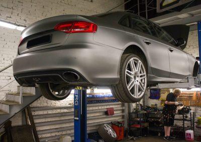 Замена рычагов передней подвески Audi A4 B8