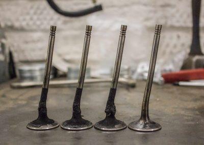Загибание клапанов Audi A4 B8 1.8