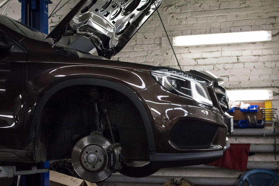 Установка пружин Eibach на Mercedes GLA