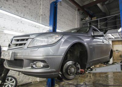 Обслуживание тормозной системы Mercedes-Benz S204